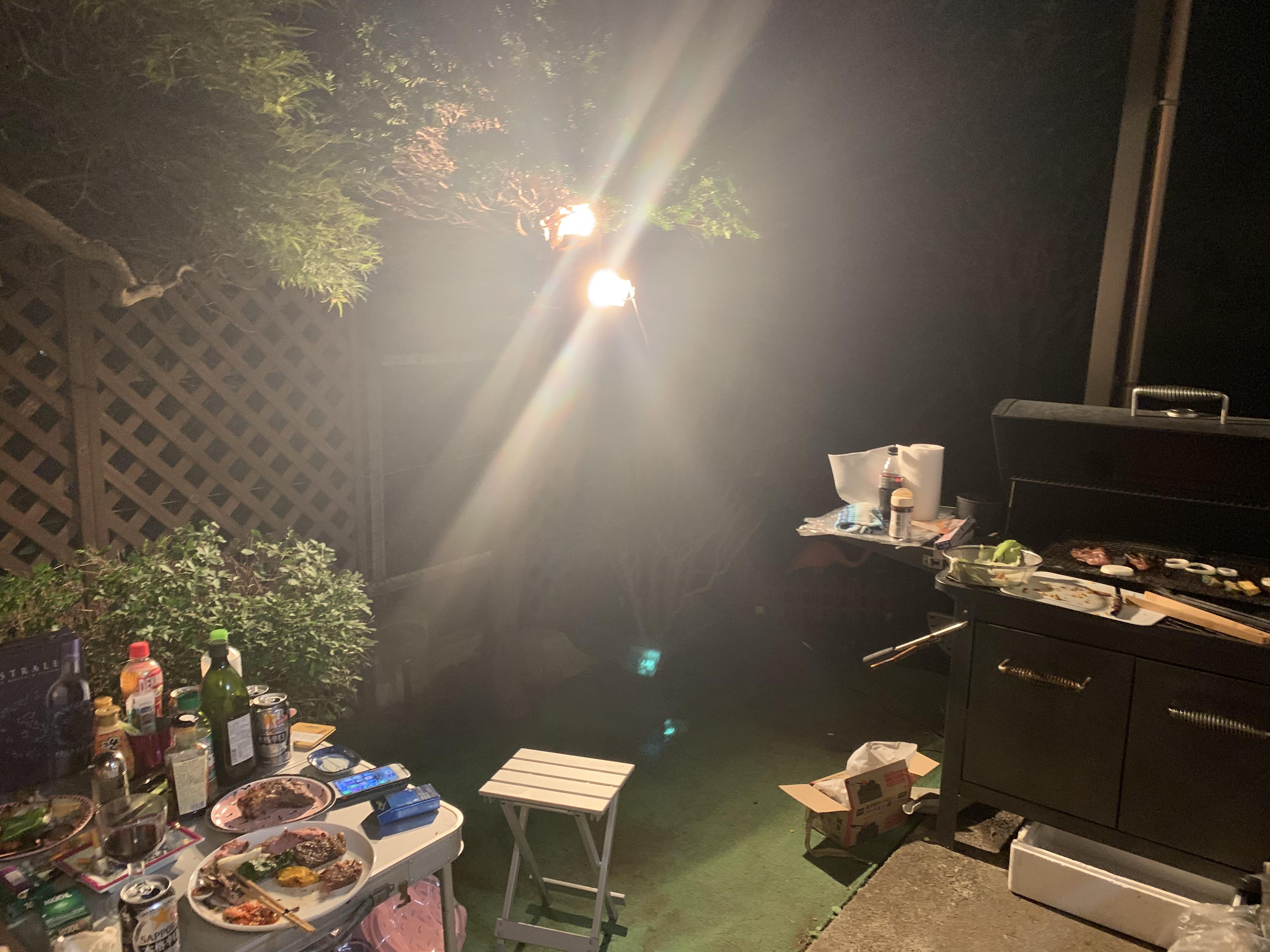 お庭でBBQ…