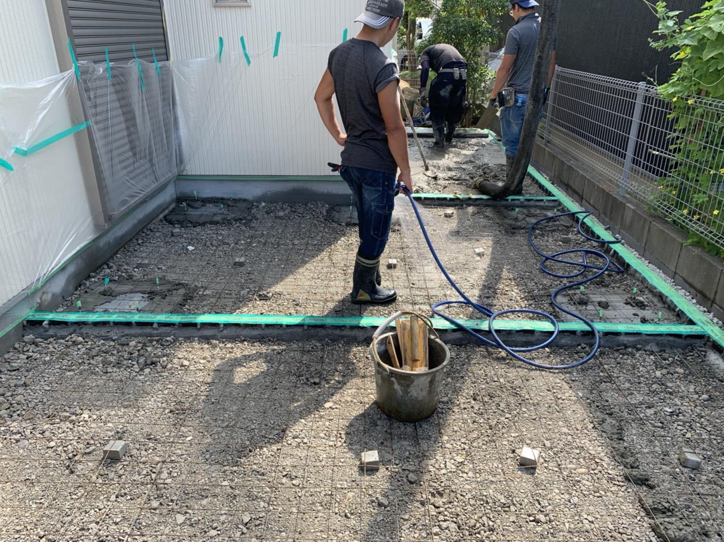 車庫土間打設…