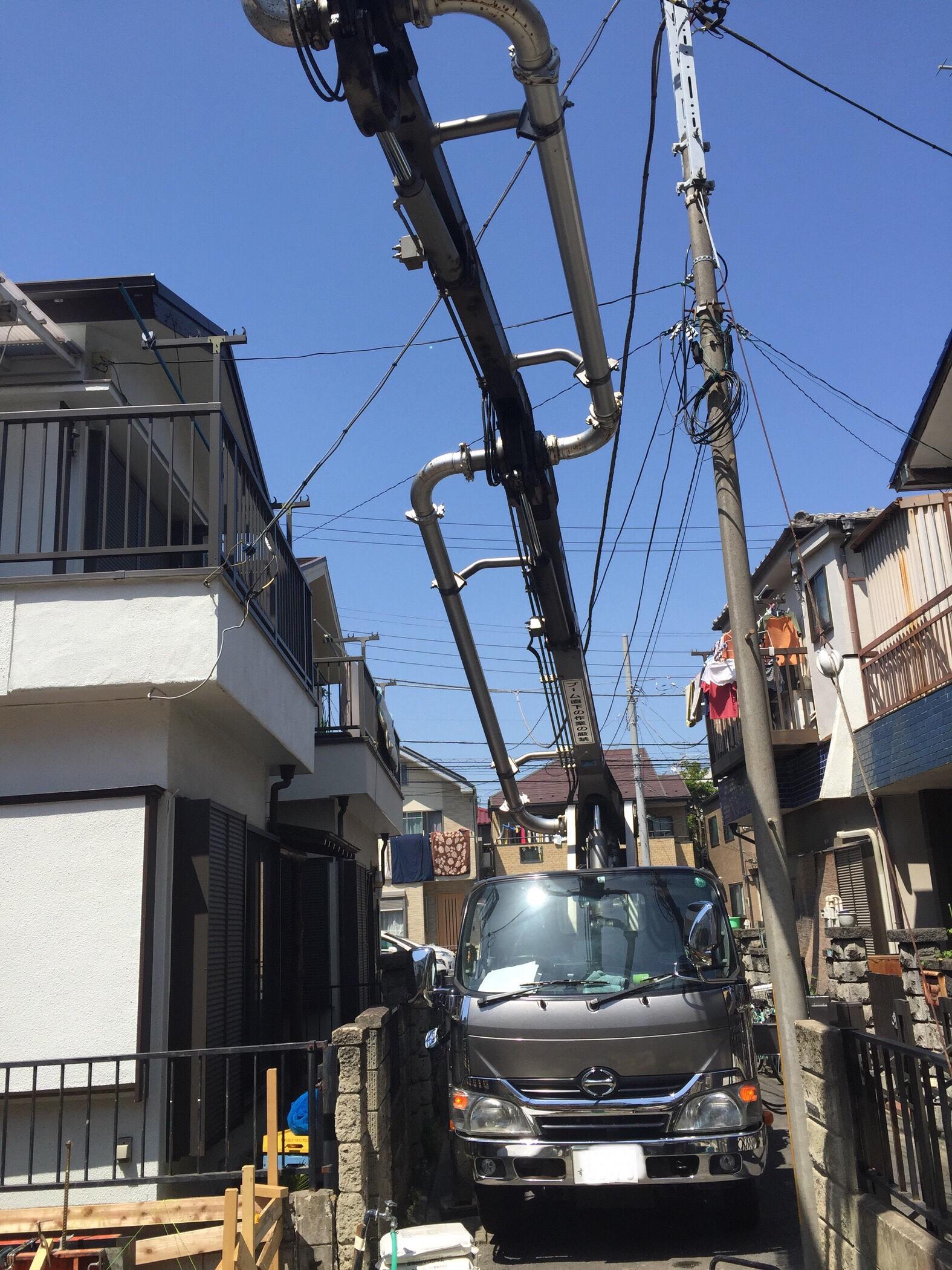 電線が低い。