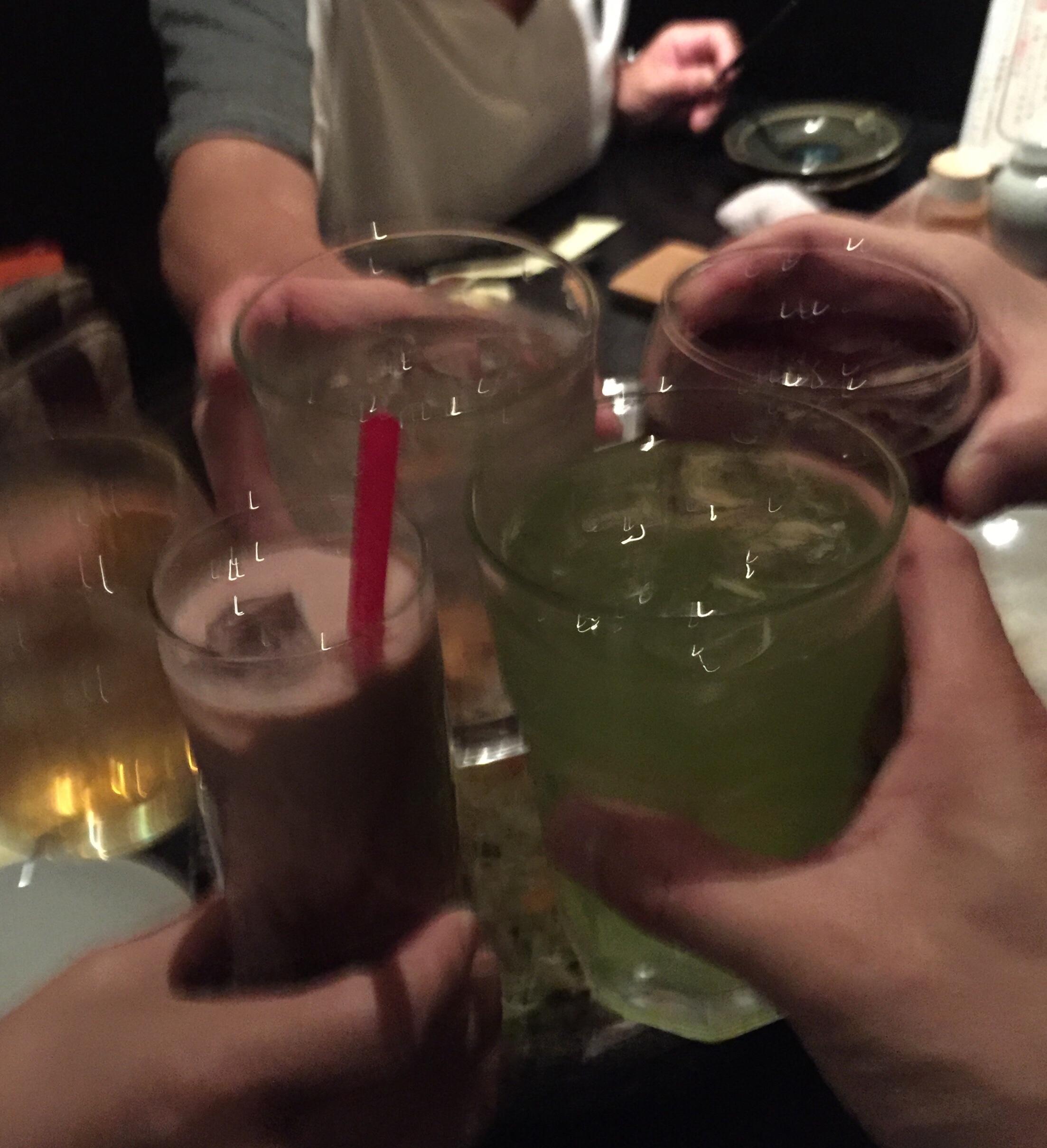 仲間と乾杯❗️